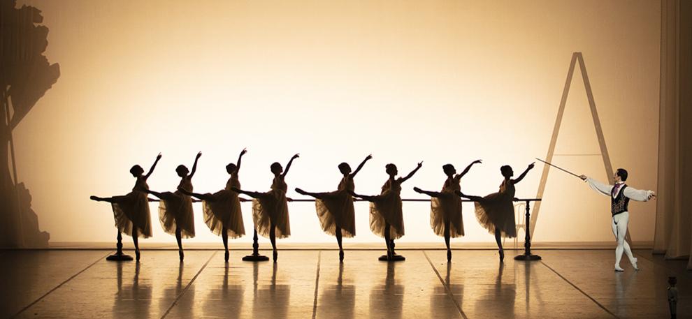 Ballett Weihnachten 2019.Staatsoper Hamburg Stück Ballett Von John Neumeier Der Nussknacker